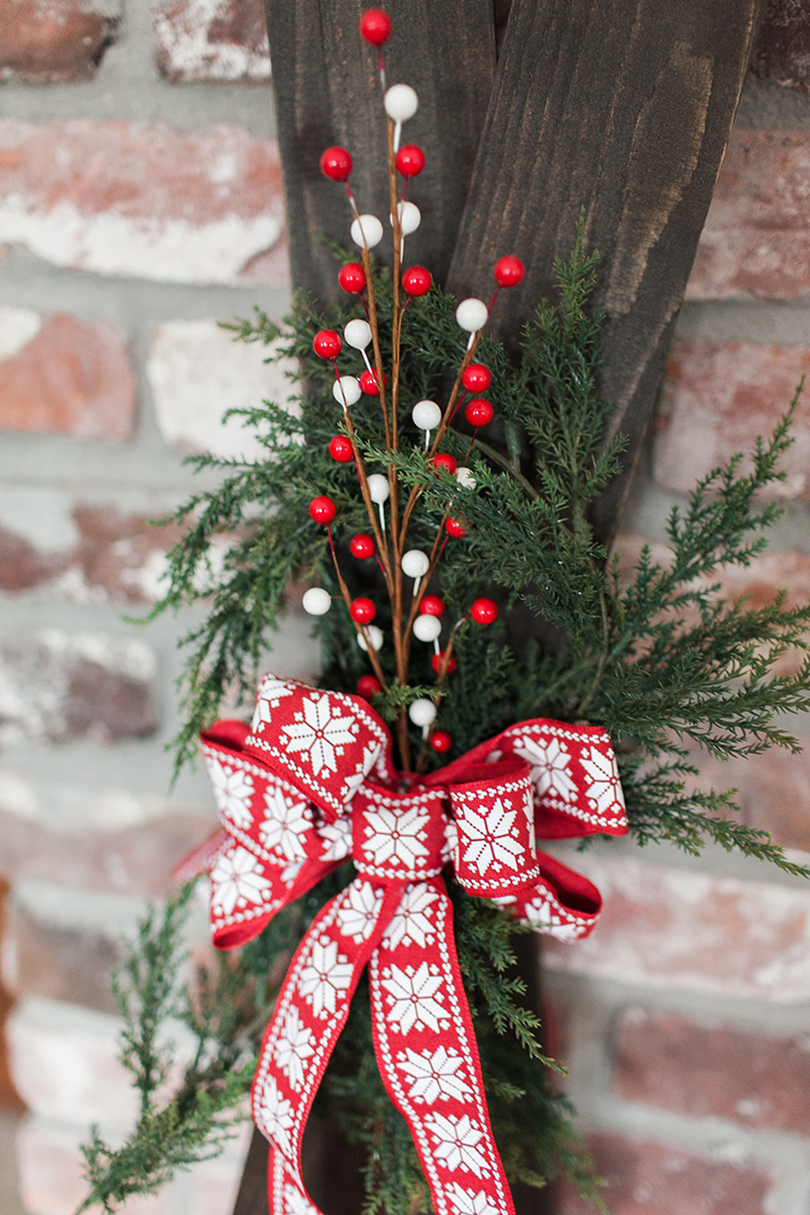 Transform some fence posts into cute holiday skis!