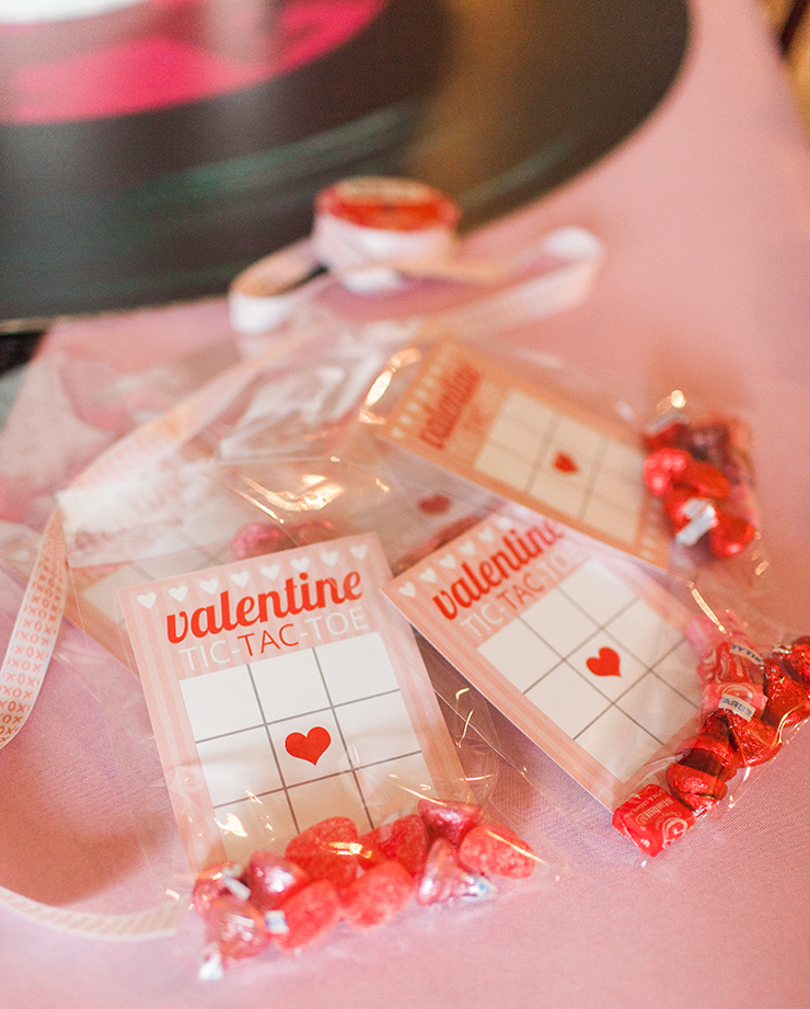 XOXO These are the perfect Valentine's Day treats for school parties!