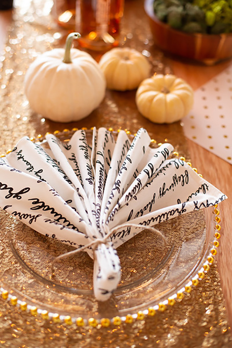 Friendsgiving Napkin Place Setting