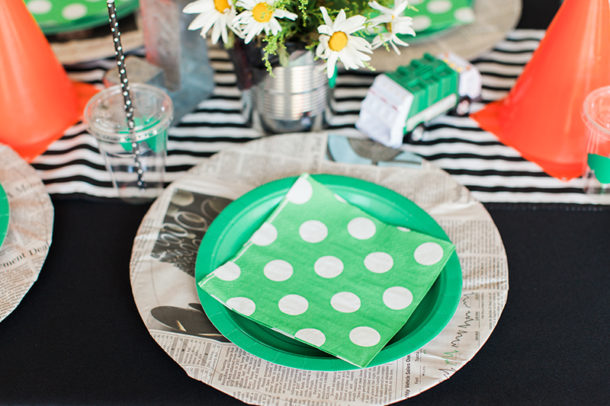 Garbage Truck Party table setting