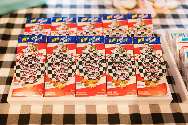 cracker jacks boxes party favor