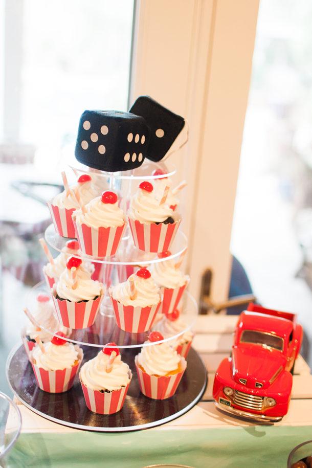 cupcakes that look like mini milkshakes