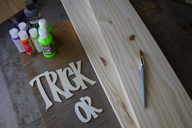 Materials for making a DIY sign for your front porch.